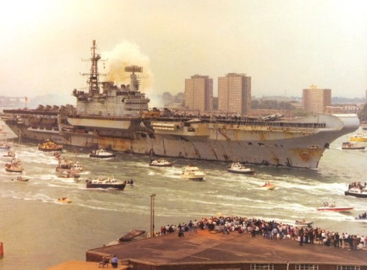 HMS Hermes R-12 triumphant return to the UK after the Falklands War (Portsmouth, England 1982)