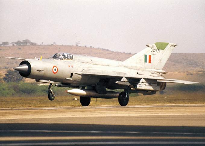 LCA Tejas vs JF-17 Thunder – Battle Machines