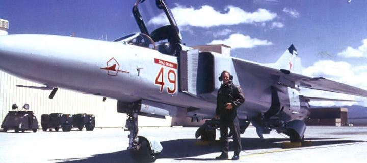 4477th_Test_and_Evaluation_Squadron_MiG_23_Red_49