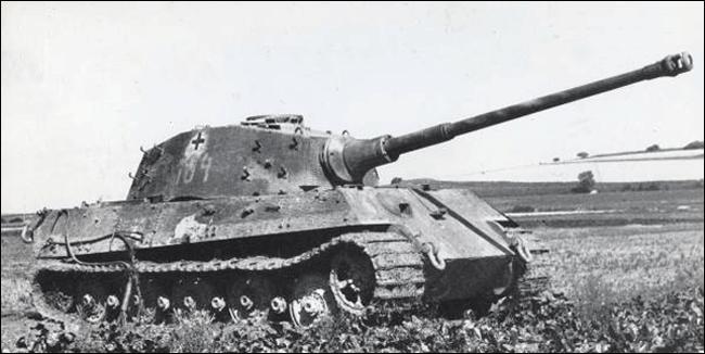 tiger2-ssspzabt-501-france-1944-02